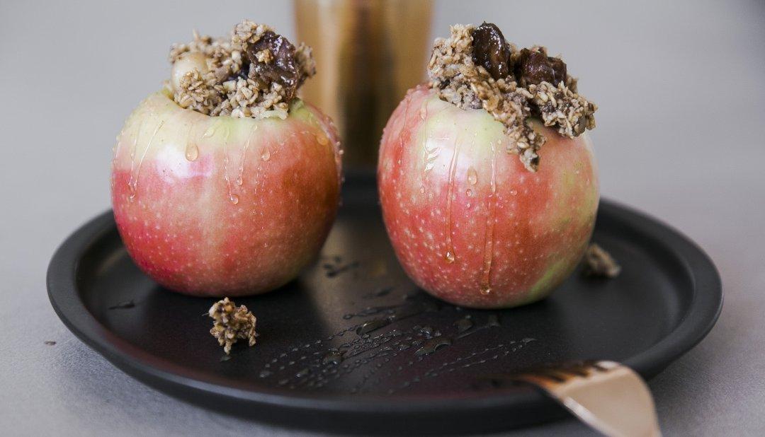 Gebackener Apfel mit Oatmealfüllung